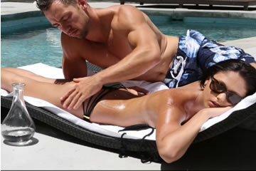 Ariana Marie - napozás és szex